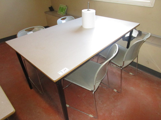 Lot 24 - 5' Table with 4 Chairs