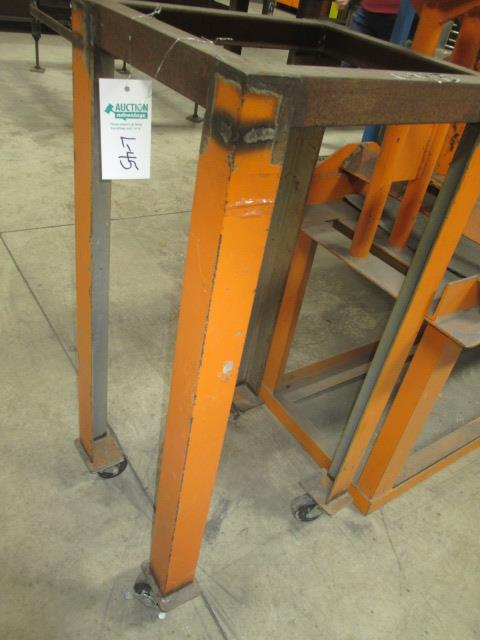 "Lot 45 - 14' X 2' Pipe Stand , 16""w X 18 1/2""L X 39""H Mobile Equipment Stand"