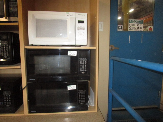 Lot 27 - 2 Danby Microwaves and 1 Fridigair Microwave