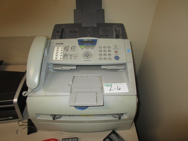Lot 6 - Brother MFC-7220 Fax, Copy, Scanner