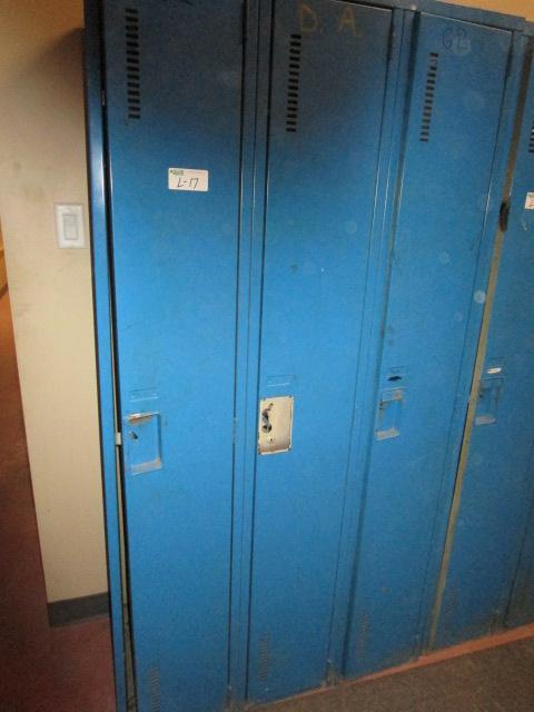Lot 17 - Bank of 3 Full Size Lockers