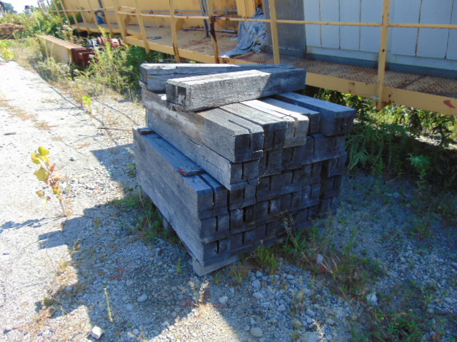 """Lot 3010 - LOT CONSISTING OF: timbers & 4"""" x 4"""" boards, assorted (in five rows)"""