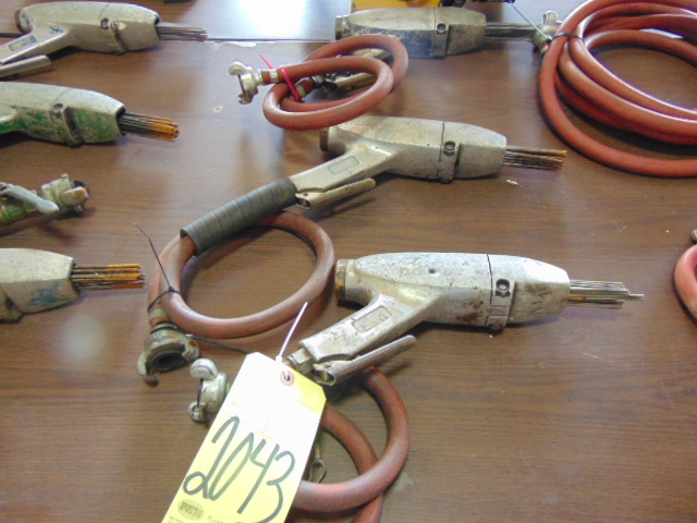 Lot 2043 - LOT OF PNEUMATIC NEEDLE SCALERS (3)