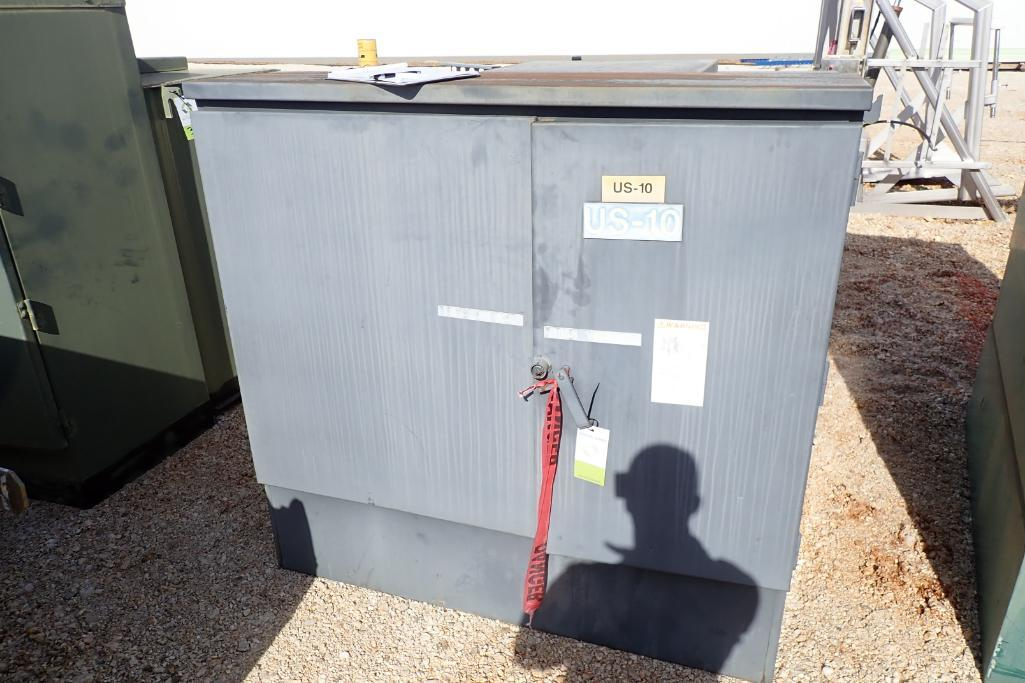 Lot 32 - Square D 12,000 volt transformer - (Located in Fayetteville, AR)