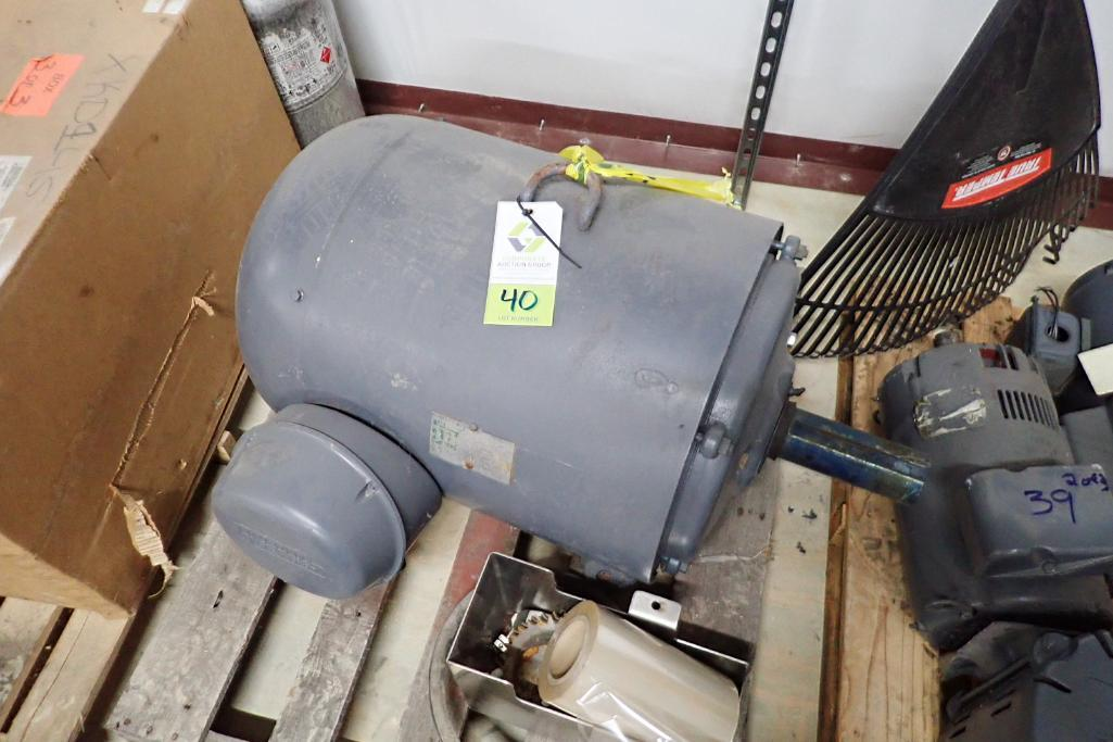 Lot 40 - Lincoln Electric 100 hp motor - (Located in Fayetteville, AR)