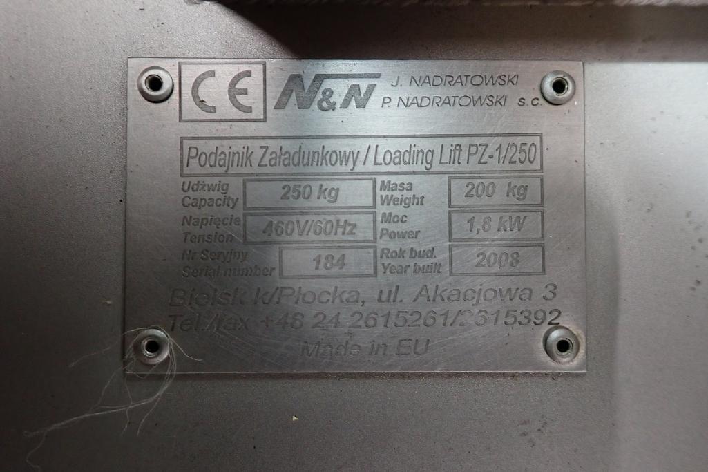 Lot 41 - 2008 Nadratowski and Nadratowski dual paddle blender and bowl lift/dumper combo. Model: MIX-450F - (