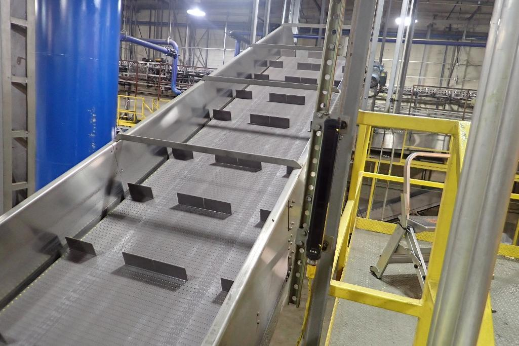 Lot 103 - Cleated SS incline conveyor - (Located in Newport, TN)