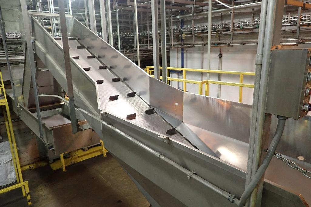 Lot 104 - Cleated SS incline conveyor - (Located in Newport, TN)