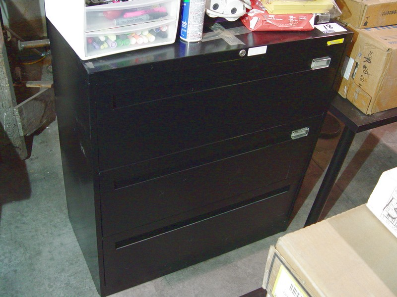 Lot 18 - 3 DOOR BLACK LATERAL FILE