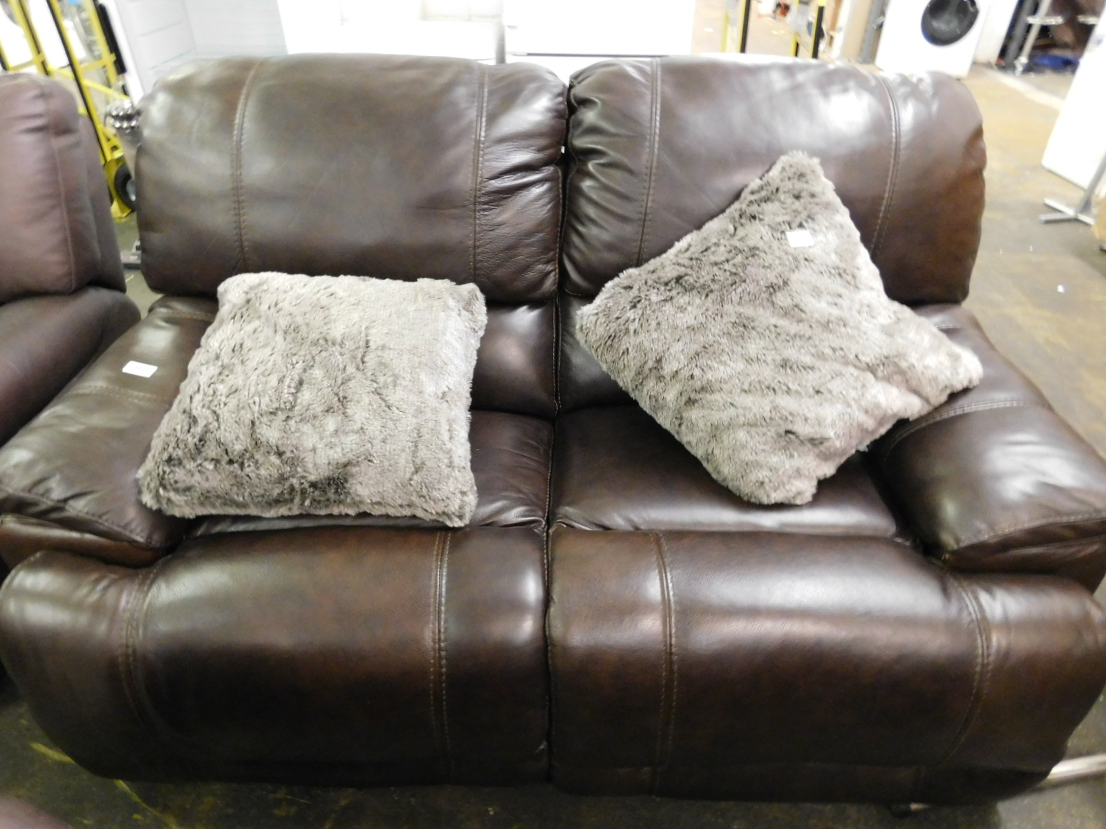 1 Man Wah Brown Leather Reclining 2 Seater Sofa Rrp 899
