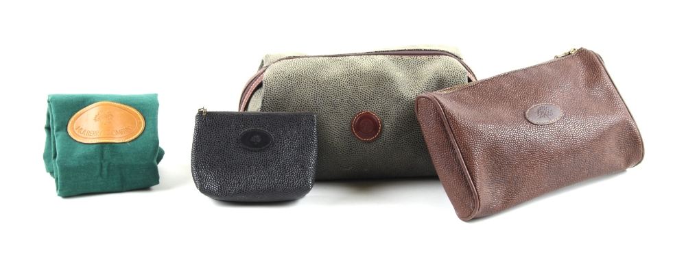 Property of a deceased estate - a Mulberry green Scotchgrain leather wash bag, in green cloth dust