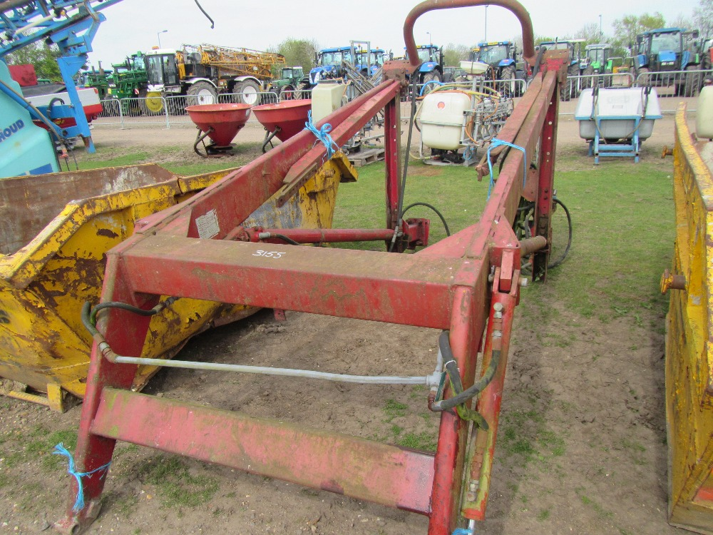Farmhand F11 PTO Hyd Loader for Ford Tractor
