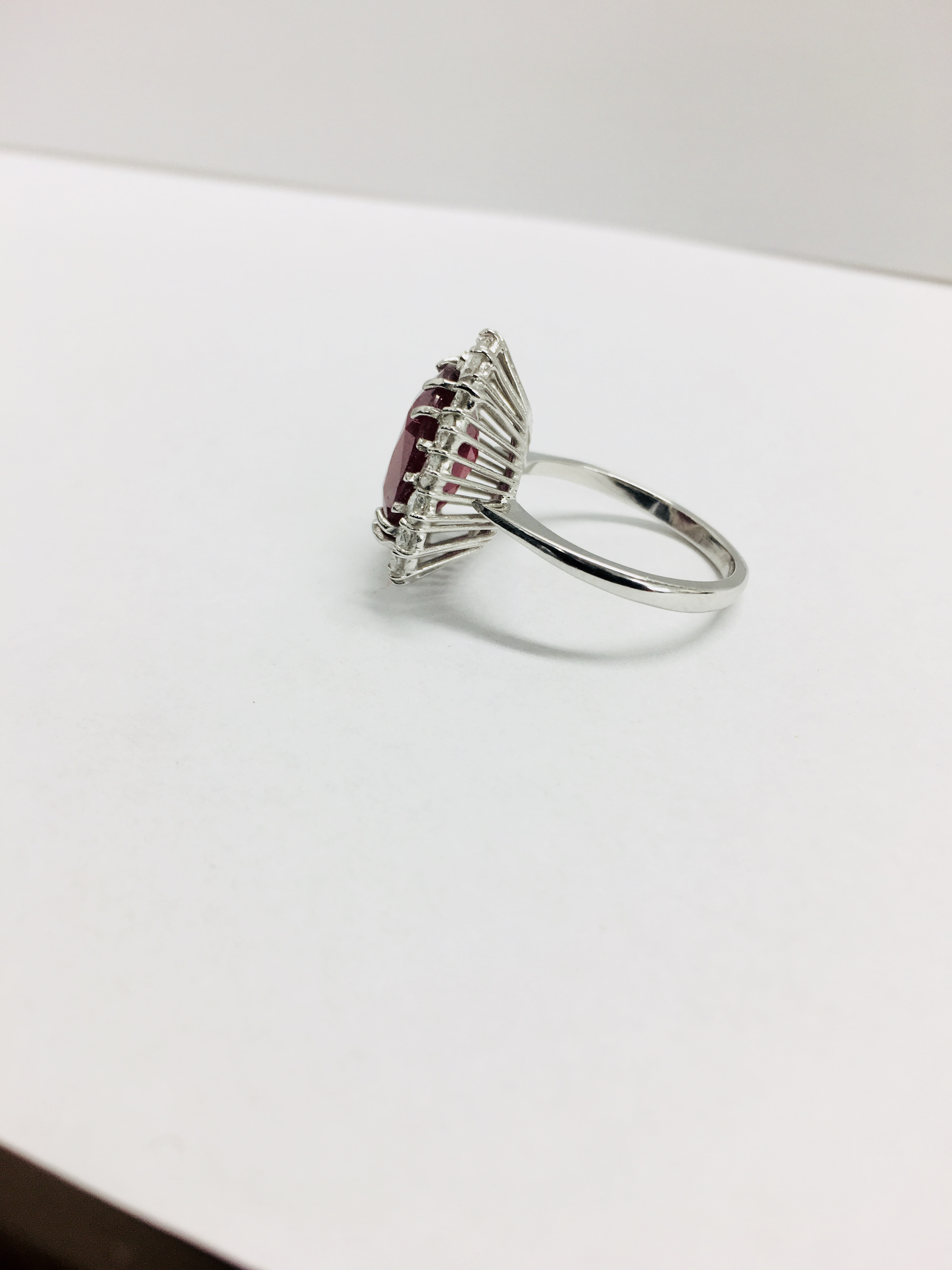 Lot 40 - 18ct Ruby Diaknd. Luster Ring