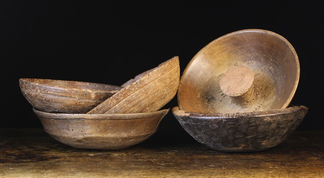 Lot 76 - A Collection of Five Turned Treen Bowls (A/F).