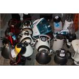 Lot to Contain 20 Assorted Kitchen Items to Included Bosch Tassimo Capsule Coffee Makers Delonghi