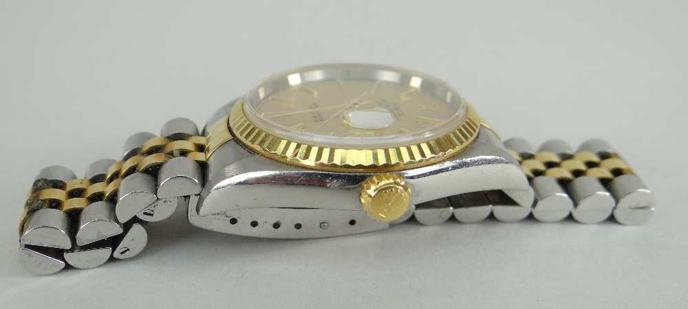 ROLEX OYSTER PERPETUAL DATEJUST SUPERLATIVE CHRONOMETER WRISTWATCH, having baton hands and numerals, - Image 4 of 5