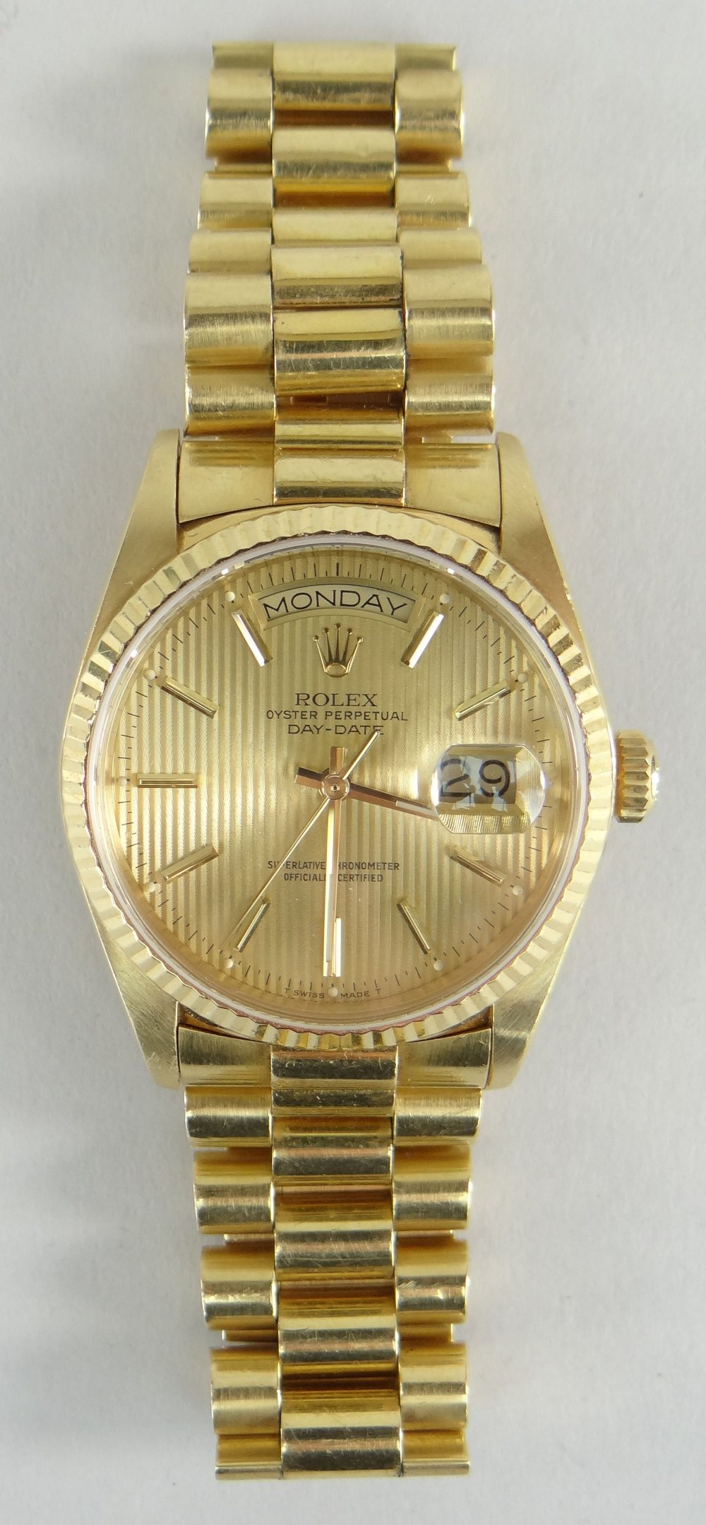 18CT GOLD ROLEX OYSTER PERPETUAL DAY DATE SUPERLATIVE CHRONOMETER WRISTWATCH, the circular dial - Image 2 of 4