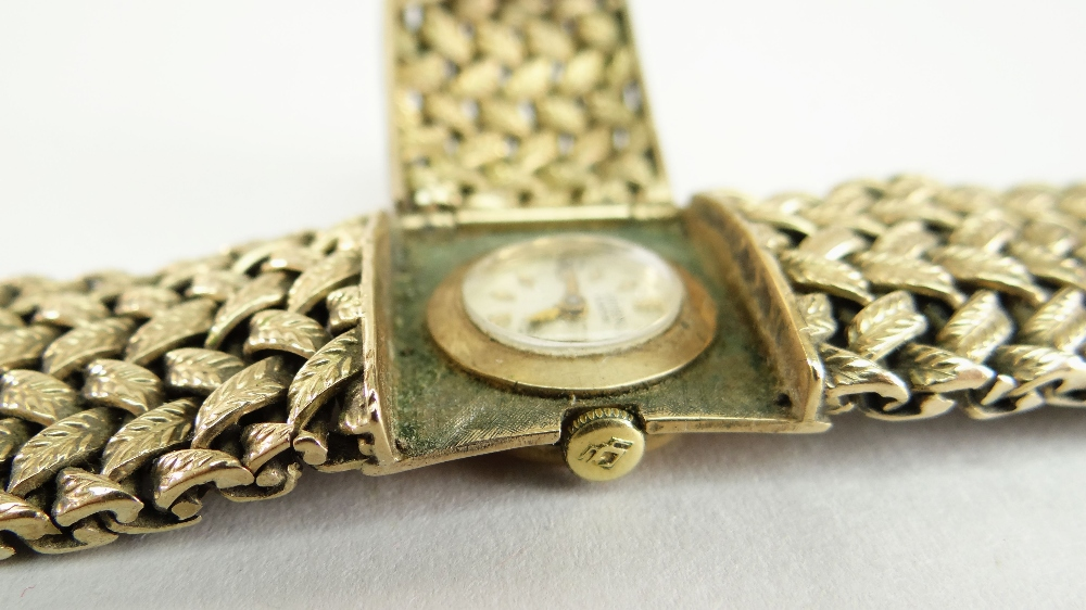 LADIES 9CT YELLOW GOLD GRUEN OF GENEVE WRISTWATCH, the circular dial behind a hinging escapement - Image 3 of 3