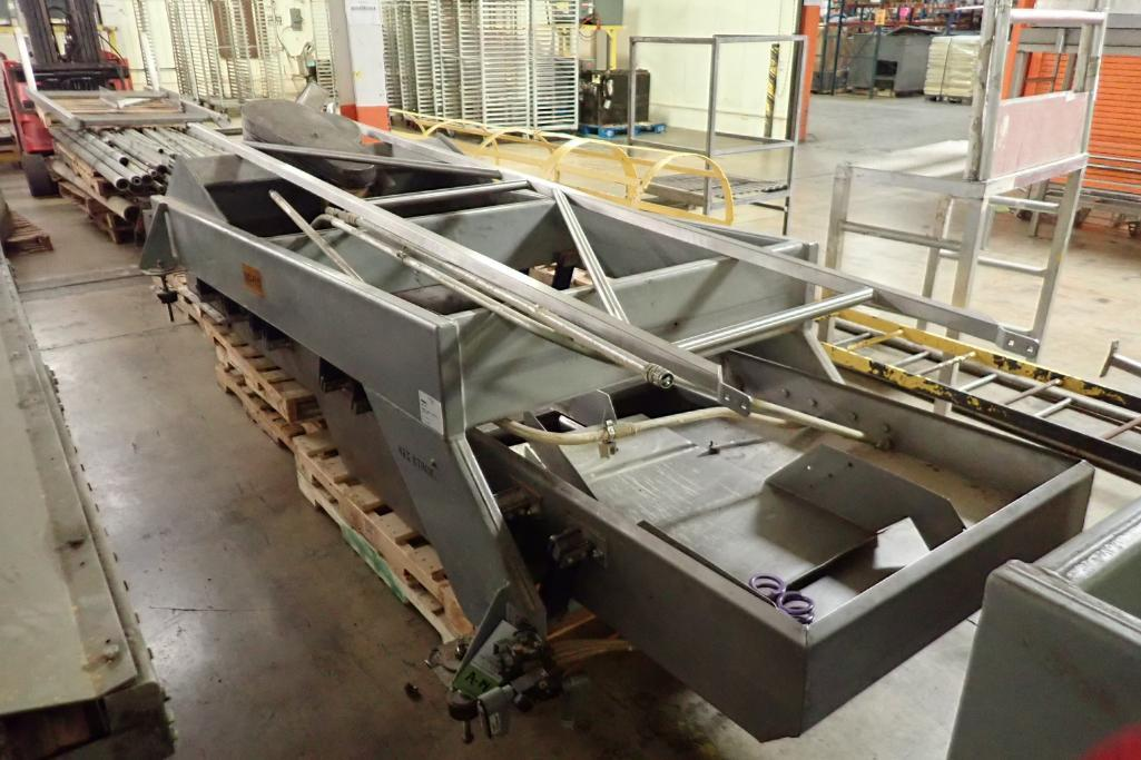 Lotto 14 - Key iso-flo vibrator conveyor {Located in Indianapolis, IN}