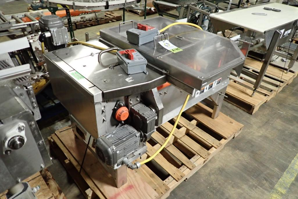 Lotto 88 - Right angle turn conveyor {Located in Indianapolis, IN}