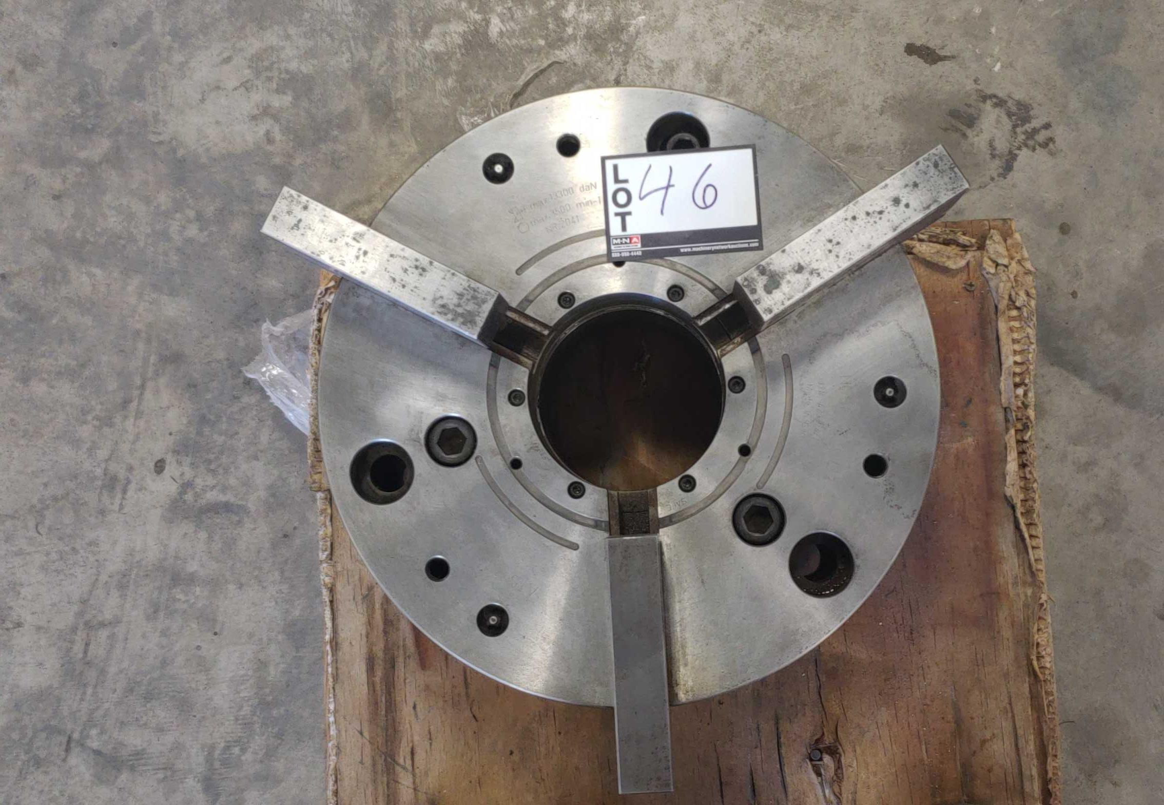 "Lot 46 - ATS systems NCSE 400-128 quick jaw change power chuck 15-3/4"" Hydraulic power chuck, 5"" hole thru"