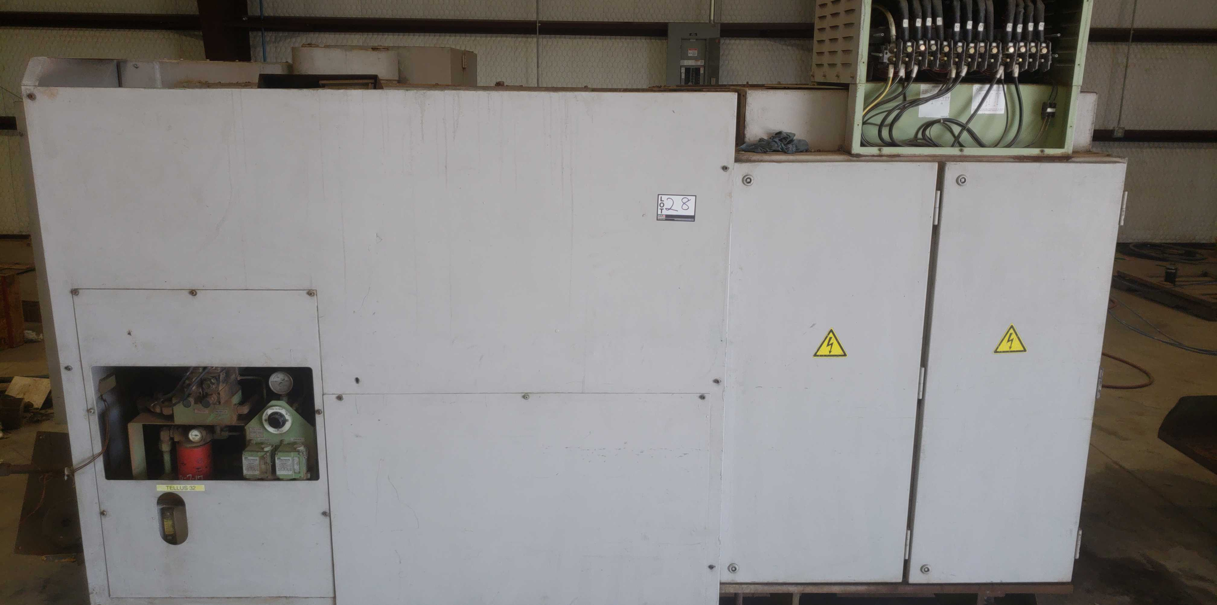"Okuma LB 25 2 Axis CNC lathe, 5020 control, chip conveyor, 10"" chuck SN: 07049681 - Image 2 of 4"
