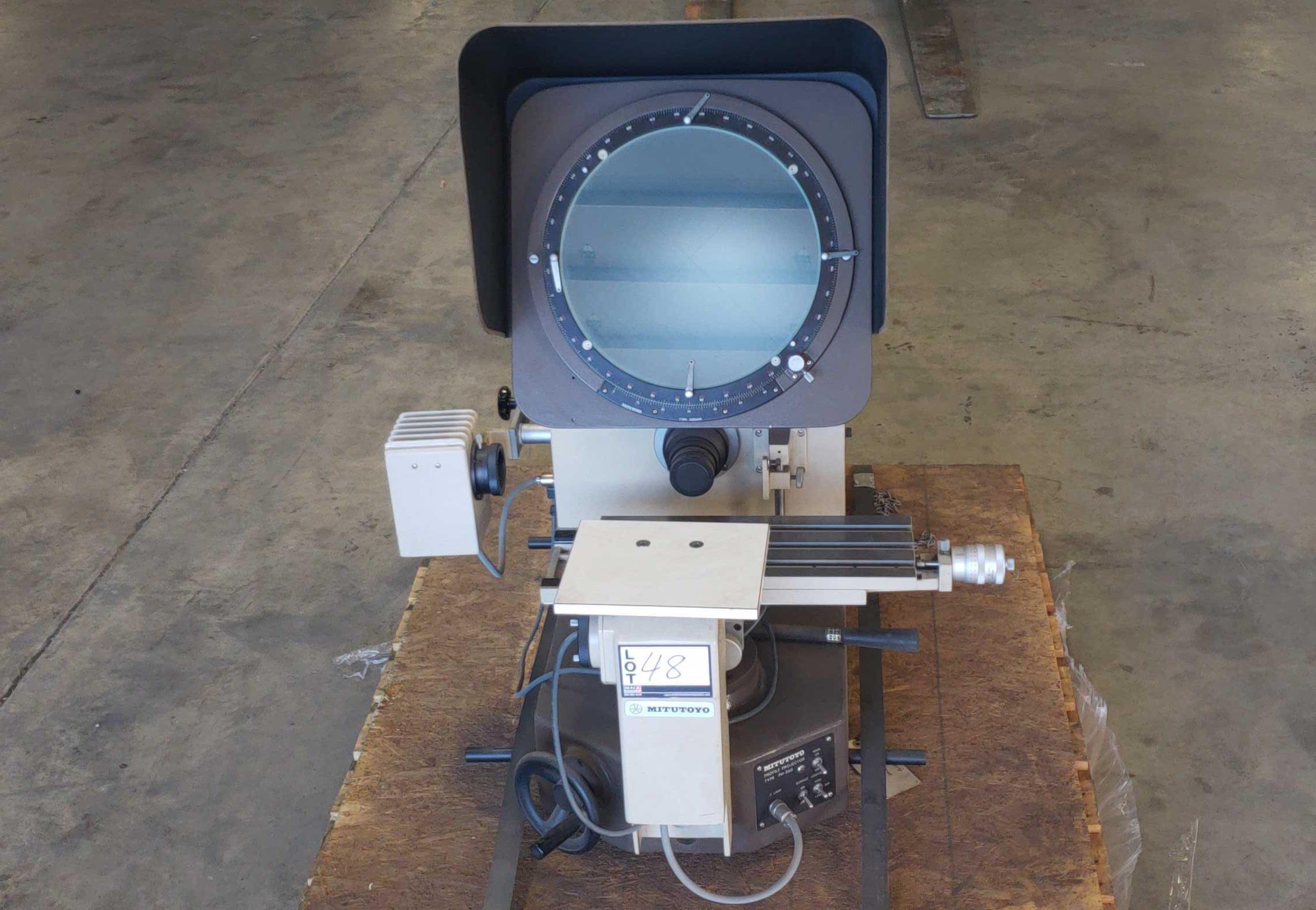 Mitutoyo PH-350 Optical Comparator SN: 40302 - Image 2 of 12