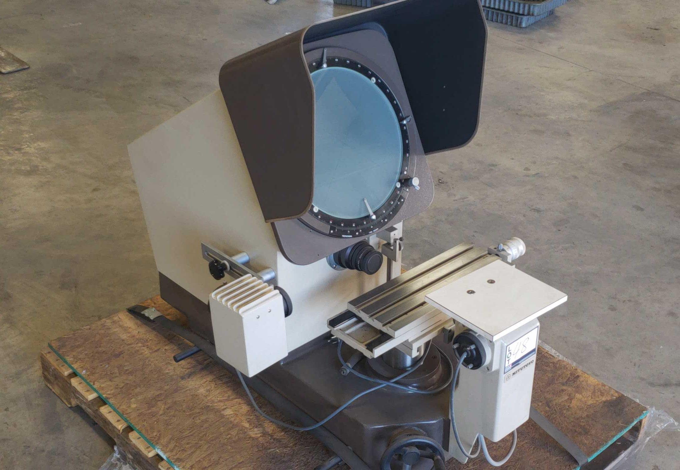 Mitutoyo PH-350 Optical Comparator SN: 40302 - Image 3 of 12