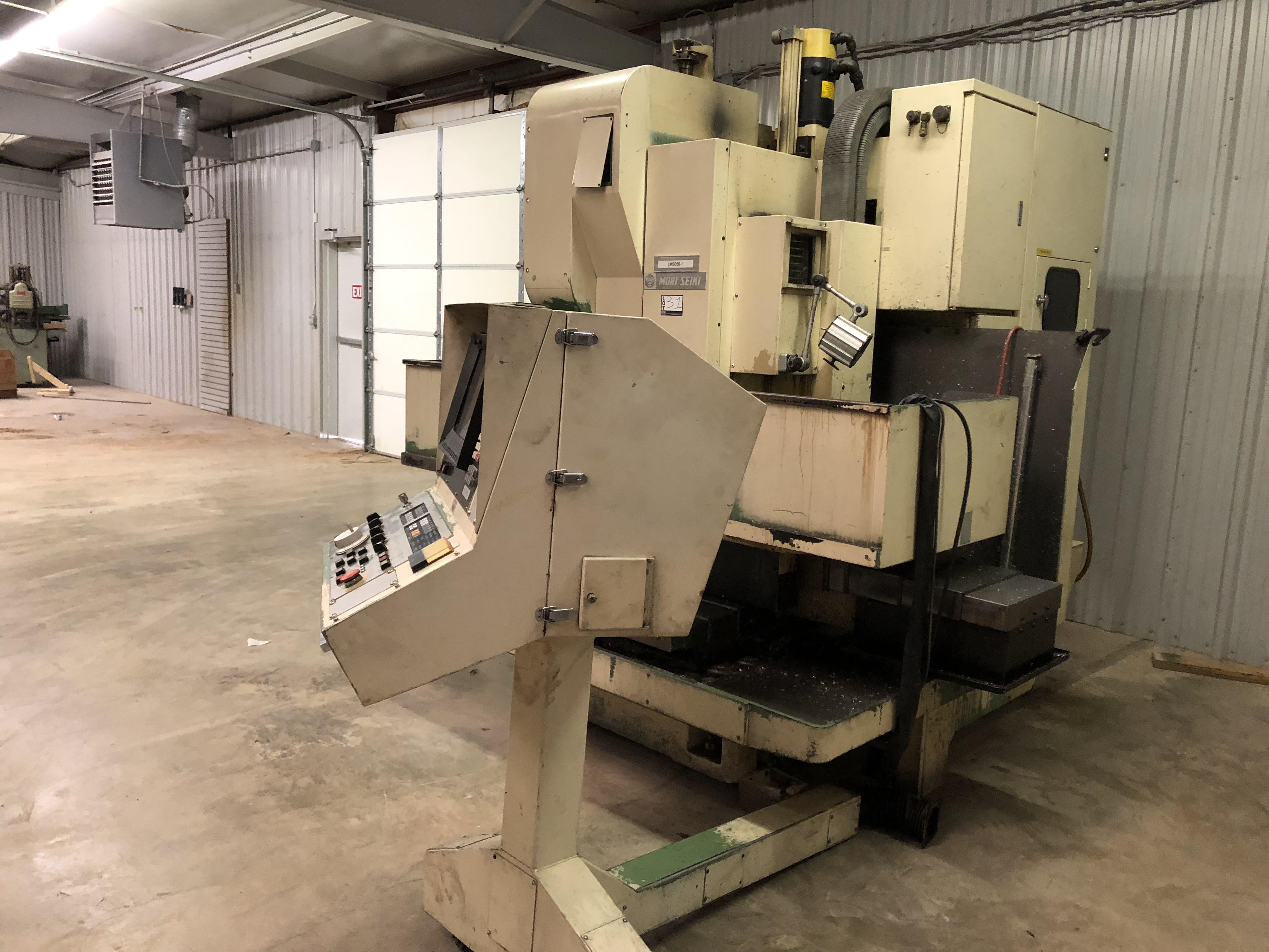"Mori Seiki MV 35/40 CNC Mill, Fanuc 11M control w/ LCD screen CAT 40 spindle, 20 POS ATC, 30""x X - Image 4 of 6"
