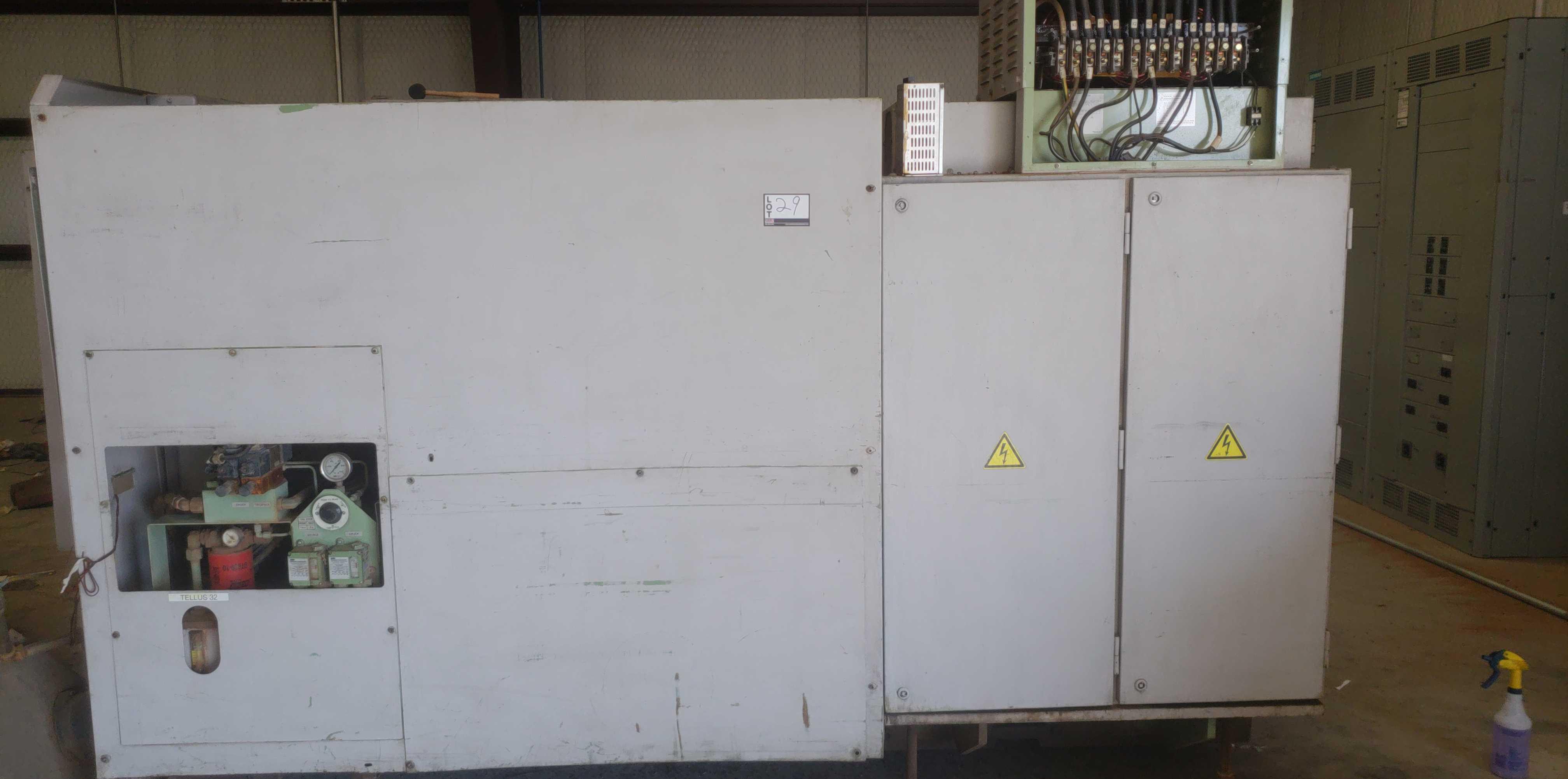 "Okuma LB 25 2 Axis CNC lathe, 5020 control, chip conveyor, 10"" chuck SN: 06119625 - Image 4 of 7"