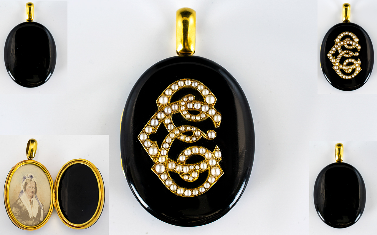 Lot 7 - 18ct Gold Seed Pearl And Black Enamel Mi