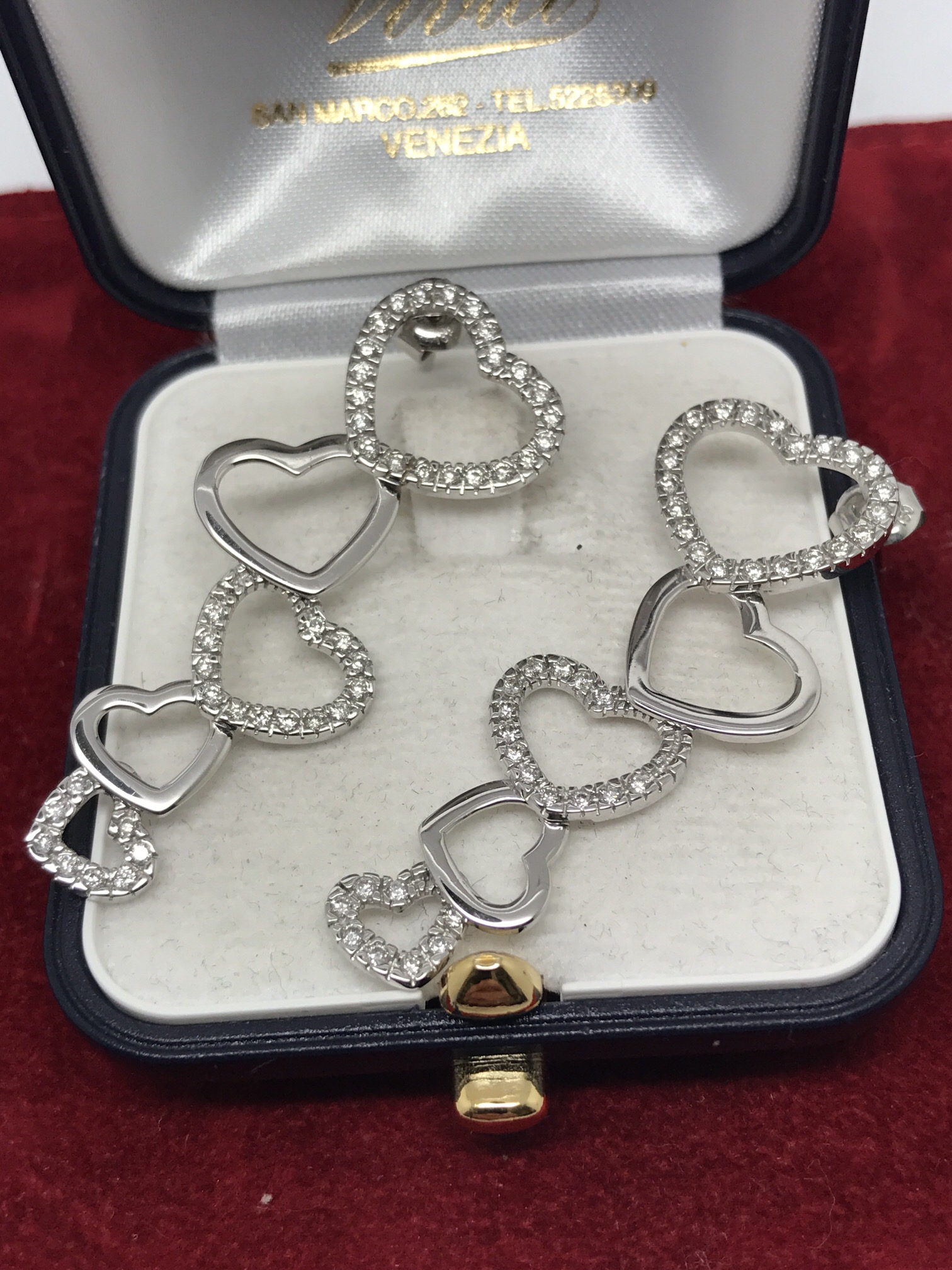 Lot 39 - FINE 18ct WHITE GOLD DIAMOND SET HEART EARRINGS