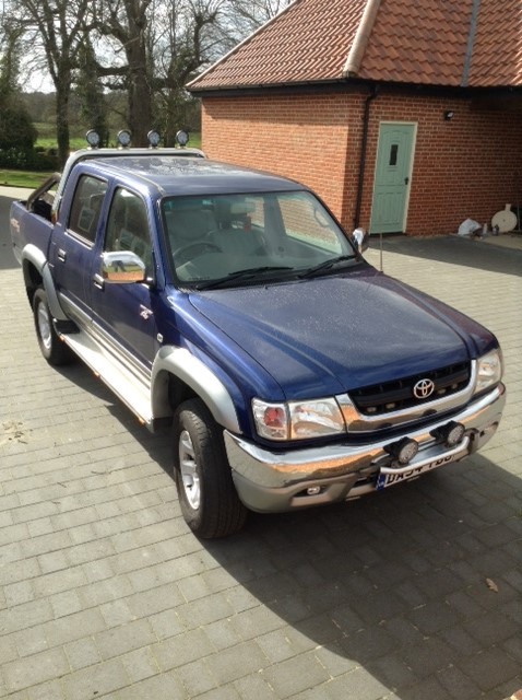 Lot 47 - Toyota hilux double cab auto 3.0 diesel mot March 19 recent cam belt