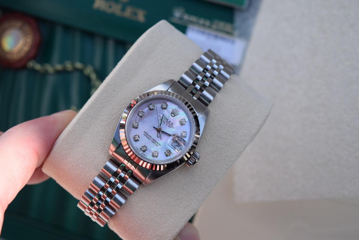 Lot 14 - Rolex Steel/ 18K White Gold 'Lady' DateJust 26 - Pink Diamond