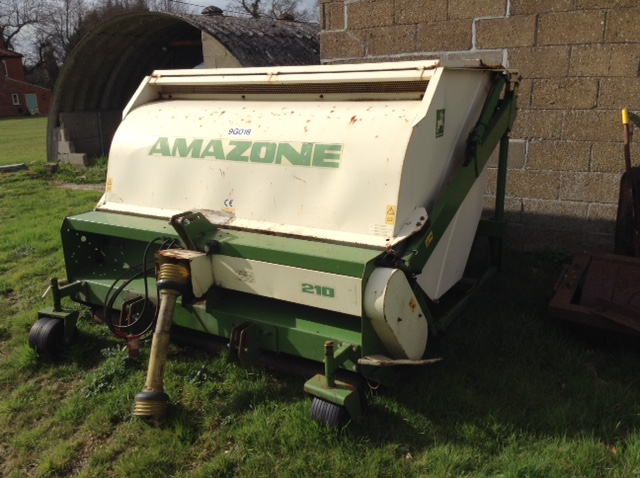 Lot 48 - Amazone 210 groundkeeper flail mower stripes collects tractor mounted