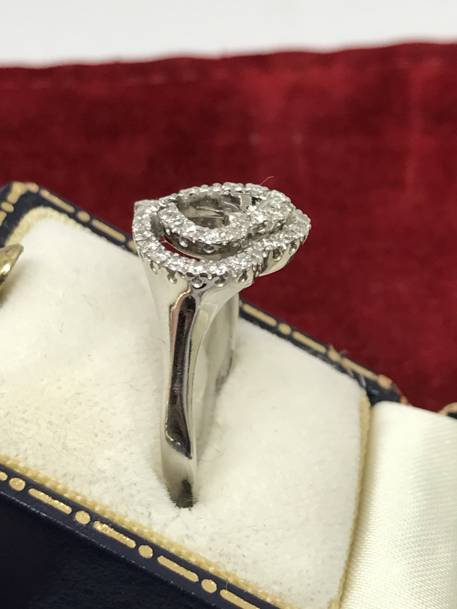 Lot 23 - FINE DIAMOND SET HEART RING IN WHITE METAL TESTED AS 18ct GOLD