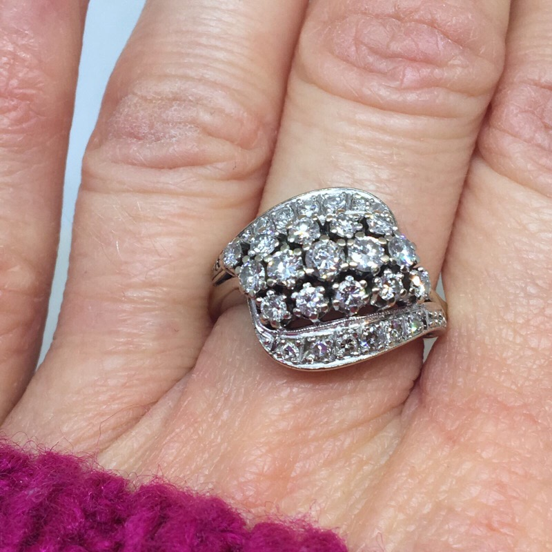 Lot 6 - FABULOUS VINTAGE 18ct WHITE GOLD DIAMOND COCKTAIL RING 1.00ct+