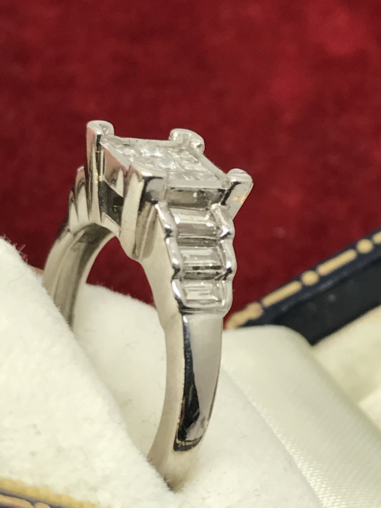 Lot 24 - 14ct WHITE GOLD DIAMOND RING APPROX 1.00ct