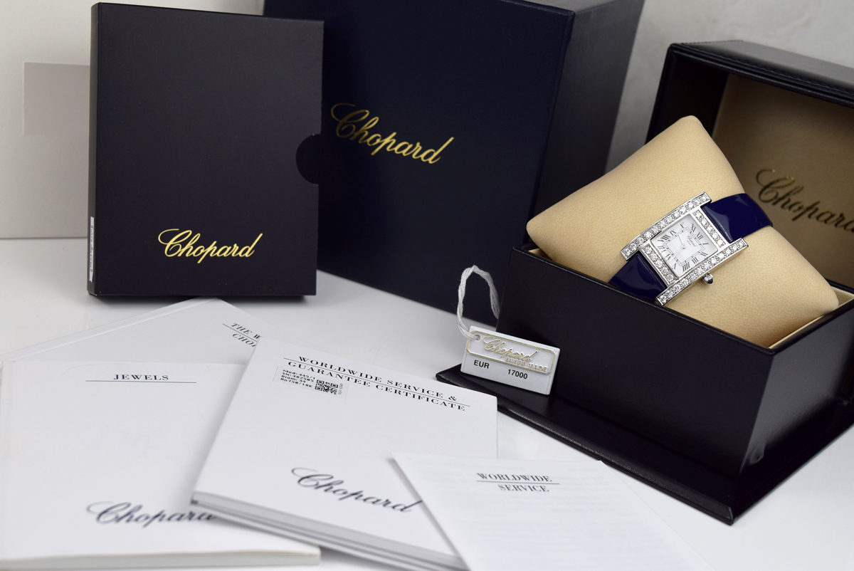 Lot 15 - ❤ CHOPARD - DIAMOND 'H' / YOUR HOUR - 18K WHITE GOLD WITH DIAMOND SET CASE