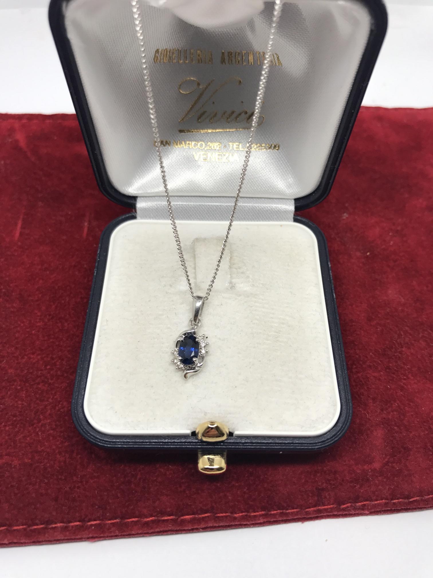 Lot 41 - 18ct WHITE GOLD BLUE SAPPHIRE & DIAMOND PENDANT & CHAIN