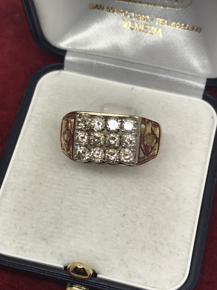 Lot 55 - 16 STONE DIAMOND GENTS RING APPROX 1.5ct