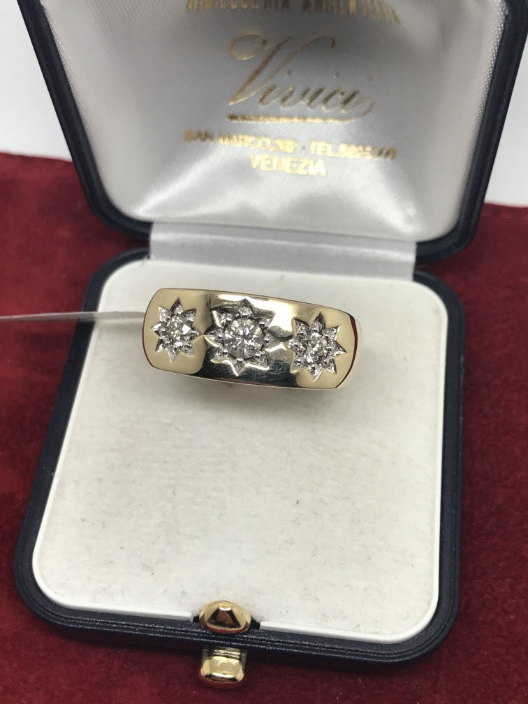 Lot 54 - GENTS 0.75ct DIAMOND SET HEAVY RING