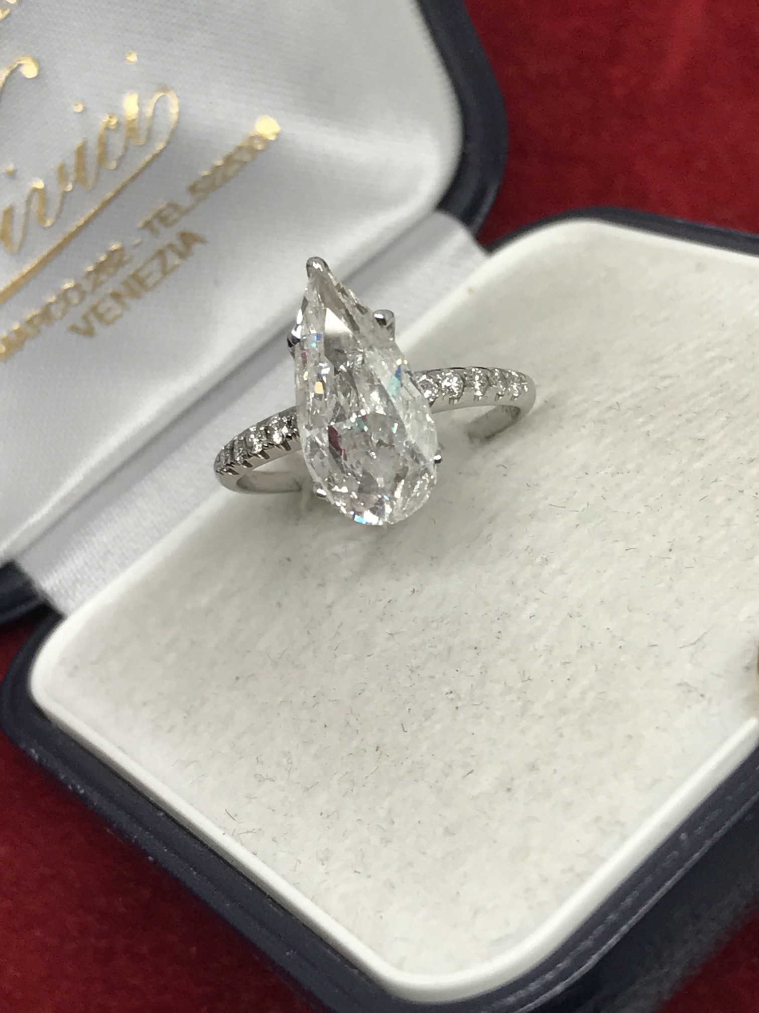 Lot 10 - AMAZING 2.20ct DIAMOND SOLITAIRE RING SET IN WHITE GOLD **VIDEO**
