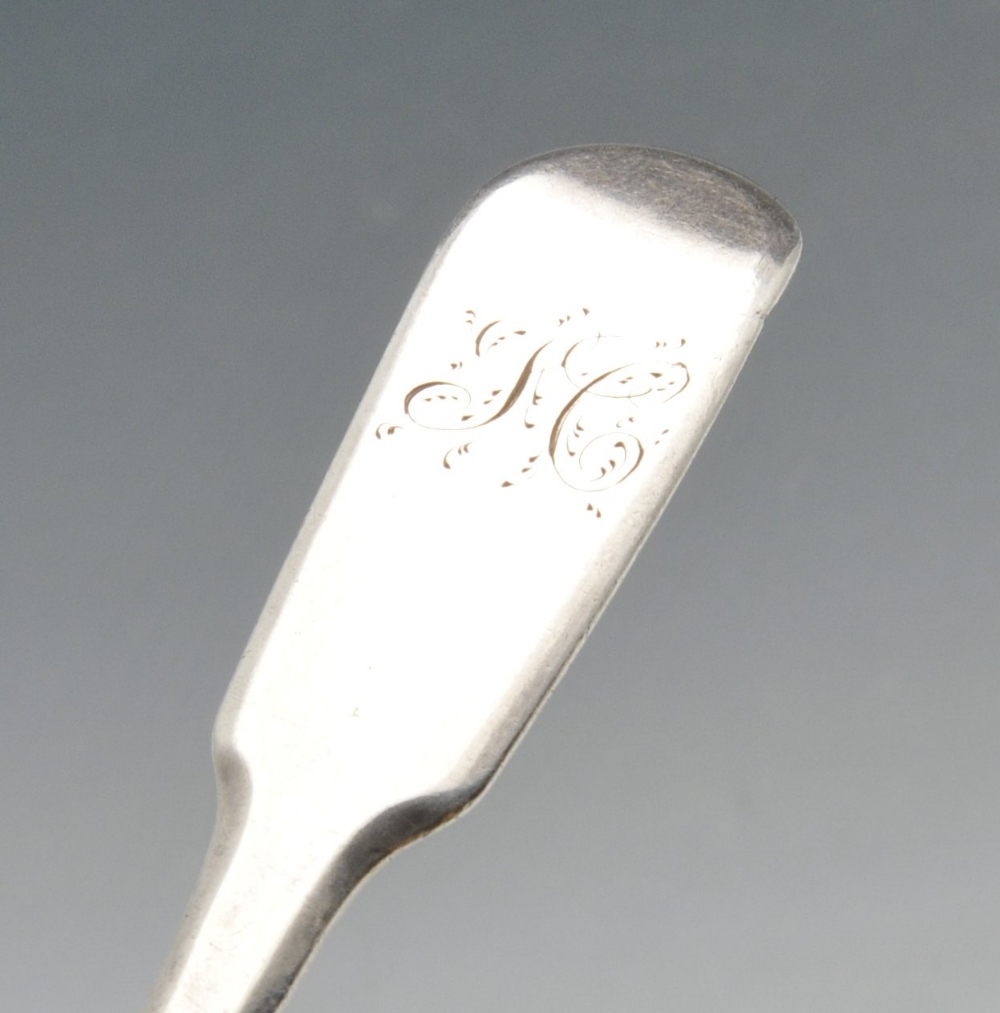 Lot 537 - A late George III silver Fiddle pattern teaspoon having initialled terminal, hallmarked William
