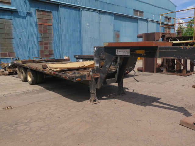 Lot 313 - Triangle K 25' Goose-Neck Trailer Lisc# 16330R w/ Drop-Down Equipment Ramps
