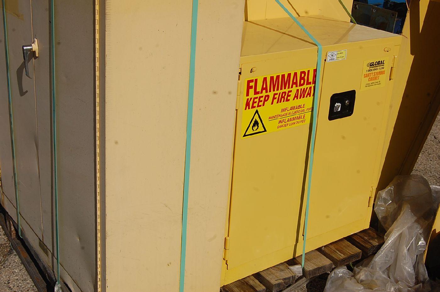 Justrite 45-Gallon Flammable Liquids Storage Cabinet - Image 2 of 3