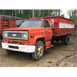 Chevy C60 S/A Grain Truck VIN CCE625V155635 10spd Trans, c/w Steel Box & Hoist