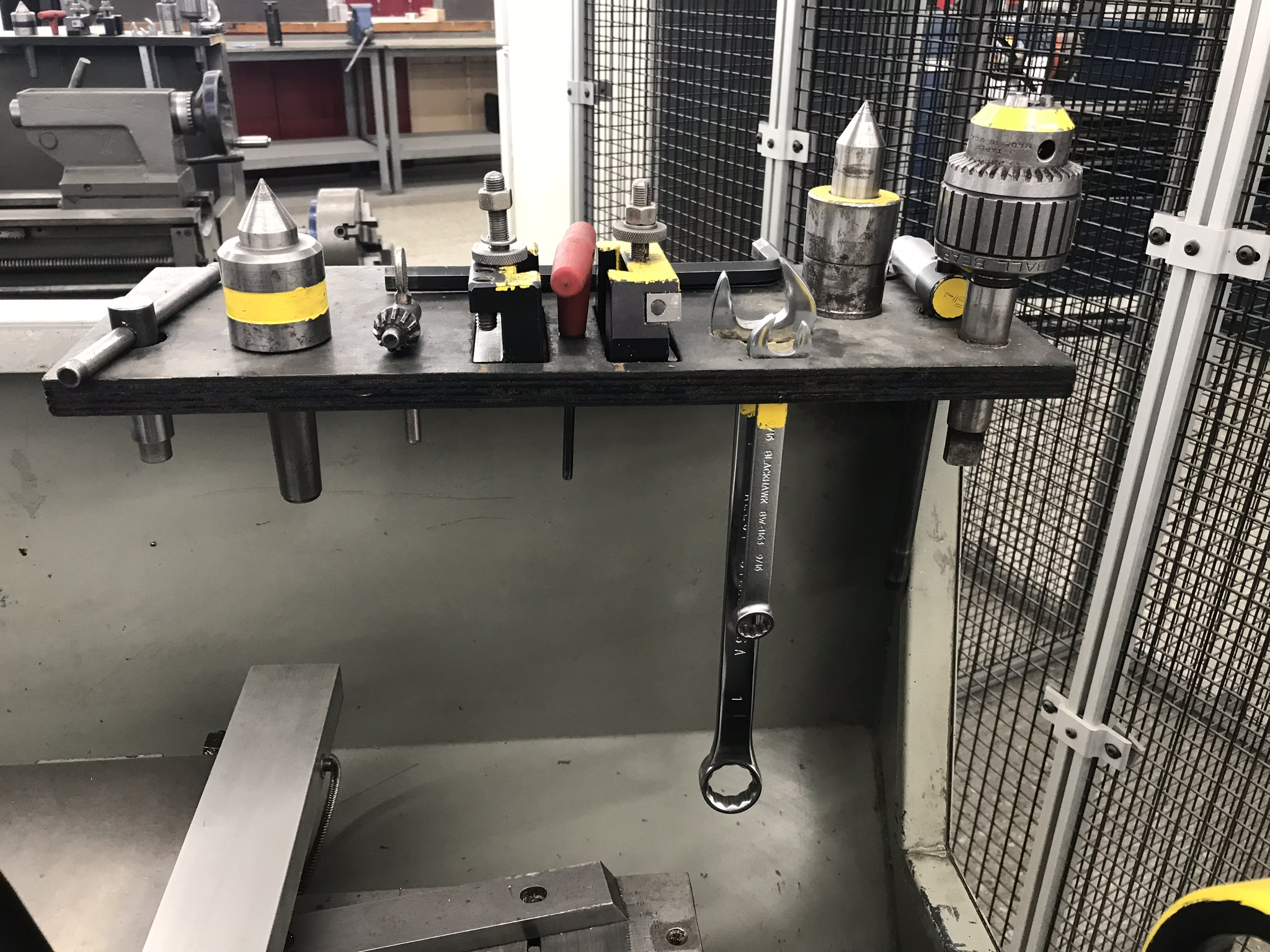 "Clausing Colchester 13"" x 25"" Toolroom Lathe 6"" 3 jaw, 8"" 4 jaw, Aloris Tool Post, DRO, Collet Chuck - Image 6 of 6"