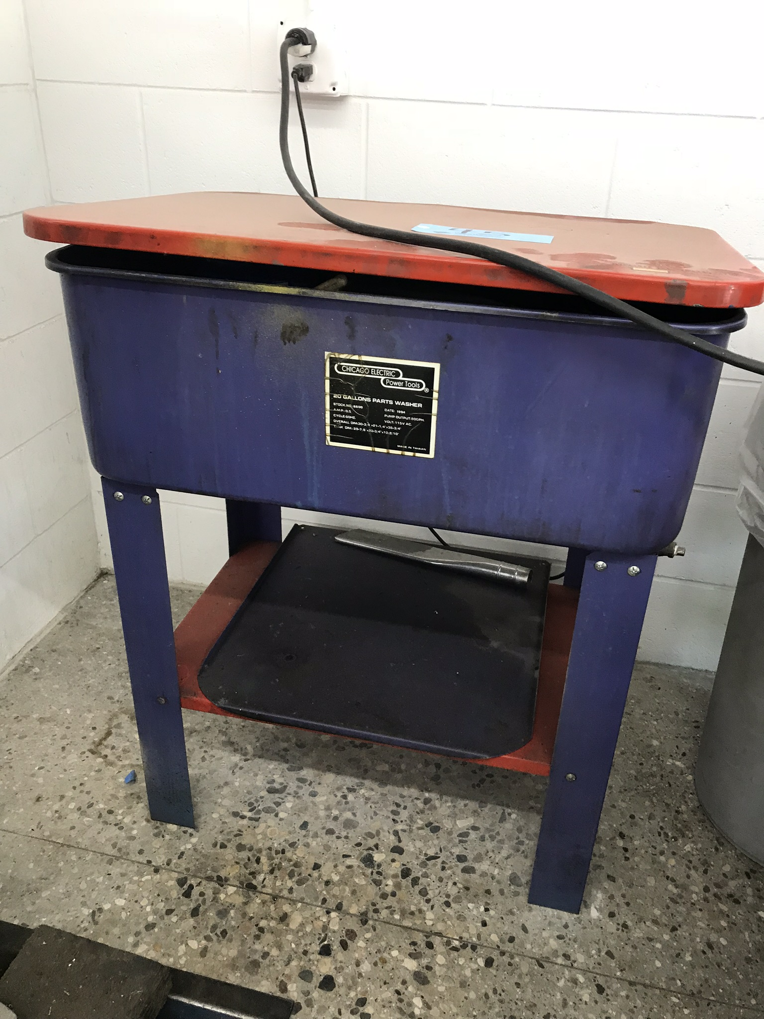 Chicago Electric Solvent-Based Parts Washer Model # 6500.