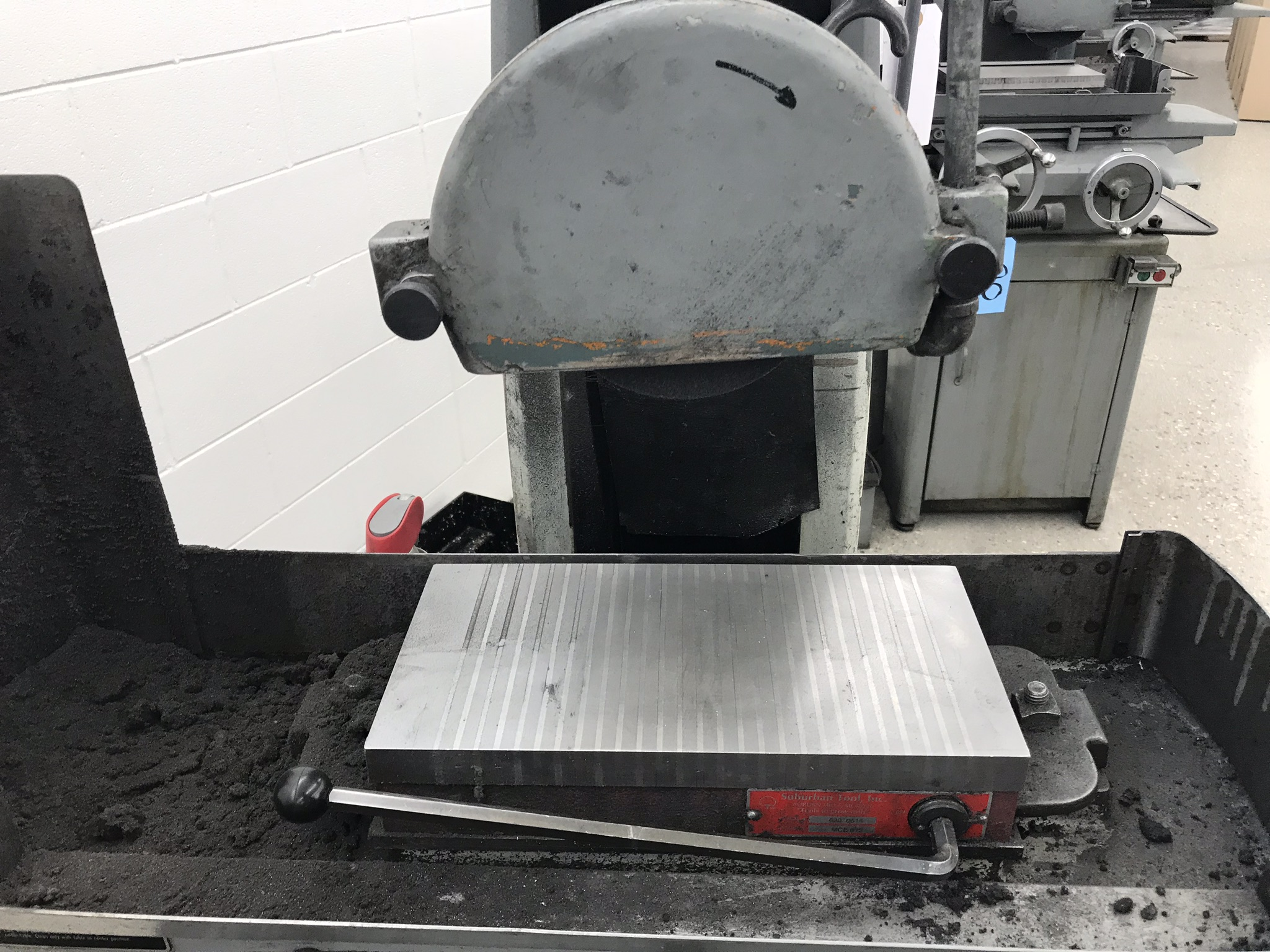 "Harig 612 6"" x 12"" Surface Grinder, 6"" x 12"" Permanent Magnetic Chuck, Coolant - Image 2 of 3"